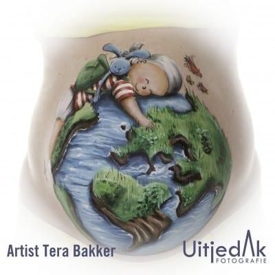 Bellypaint buikschildering Wereldbol baby Tera Bakker