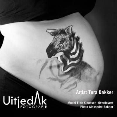 Bellypaint buikschildering Zebra schaduw Tera Bakker