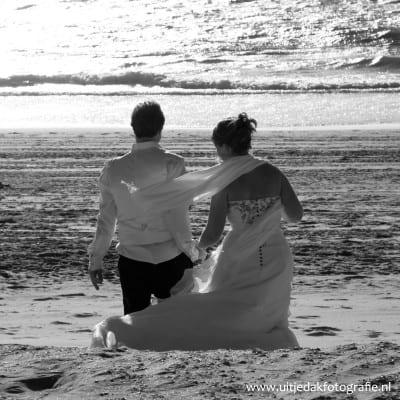 Trouwreportage, bruidsfotograaf strand, bruidsfotograaf UitjedakFotografie Nieuwegein, Utrecht